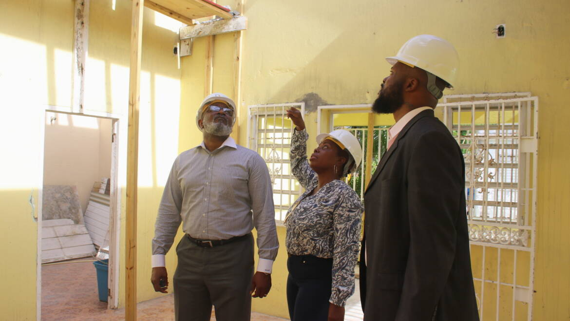 Visit of Minister of VROMI to homes being repaired