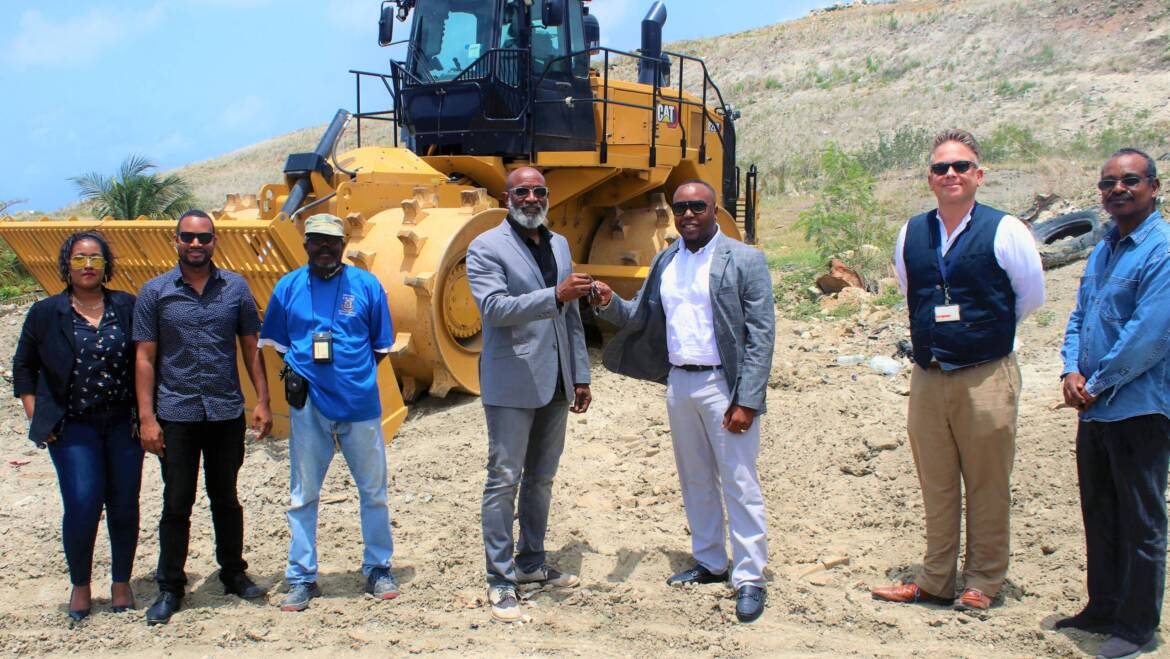 Landfill management more efficient with series of heavy machinery deliveries to VROMI Ministry